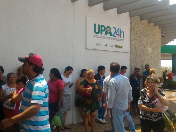 Maioria dos atingidos foram levados para Unidades de Pronto Atendimento (UPA), em Senador Canedo, em Goiás (Foto: Vanessa Martins/G1)