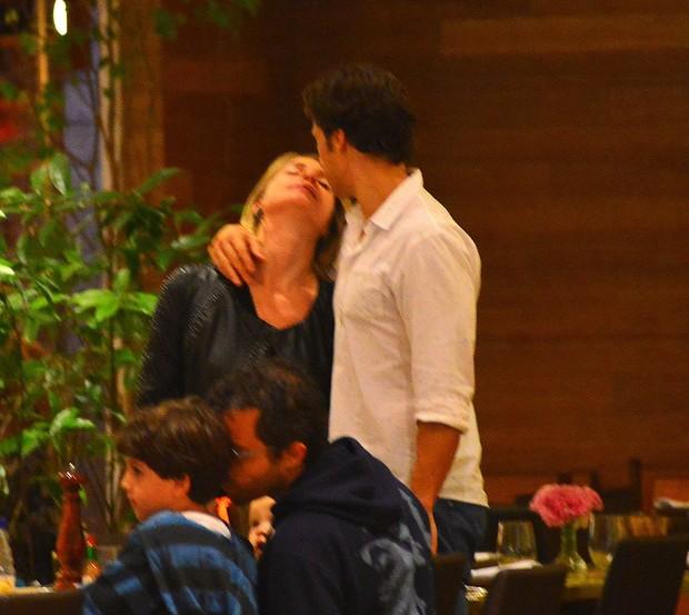 Letícia Spiller e Lucas Loureiro (Foto: William Oda / AgNews)