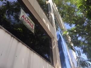 Polícia informou que bandidos entraram na agència através de um imóvel vazio (Foto: Sandro Bittencourt/TV Fronteira)