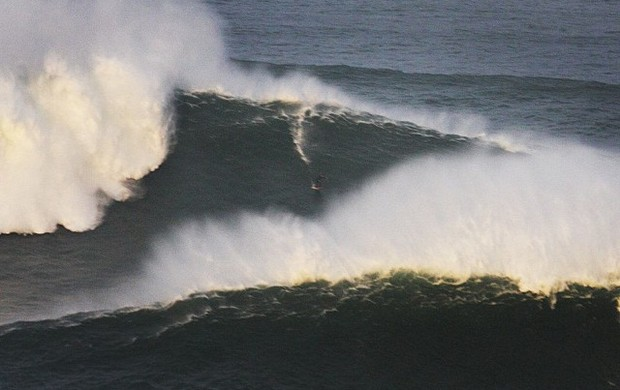onda maya gabeira acidente portugal surfe (Foto: Reprodução Instagram)