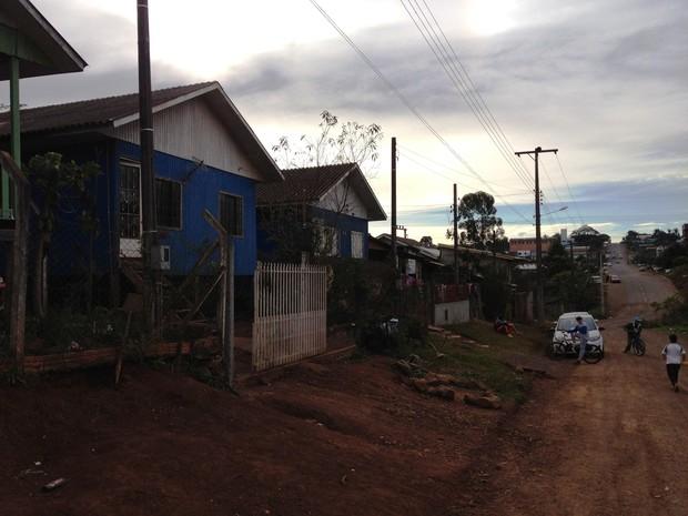 Grávidas foram atingidas quando voltavam para casa, após irem ao mercado (Foto: Eduardo Cristofoli/RBS TV)