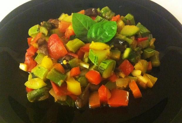 Salada quente (Foto: Colheradas)