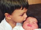 Mãe de Felipe Simas mostra clique fofo dos netos, Joaquim e Maria