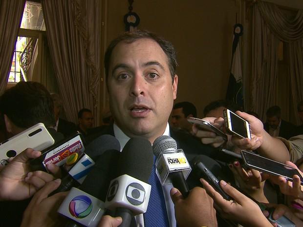 Resultado de imagem para governador paulo camara coletiva