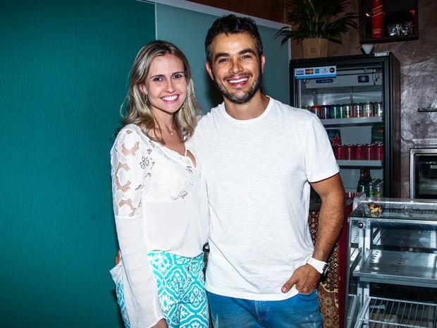 Anderson Di Rizzi e a mulher em estreia de peça em São Paulo (Foto: Manuela Scarpa e Marcos Ribas/ Foto Rio News)