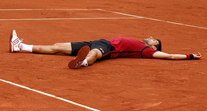 Novak Djokovic desenha o coração Roland Garros 2016 (Foto: Reuters)