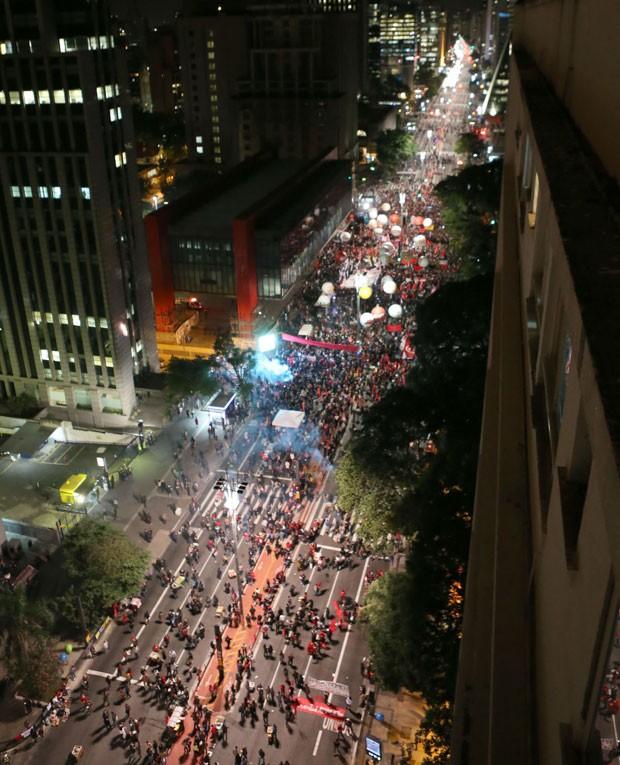 Manifestantes fazem protesto contra o governo Temer na Avenida Paulista, em São Paulo (Foto: Daniel Teixeira/Estadão Conteúdo)