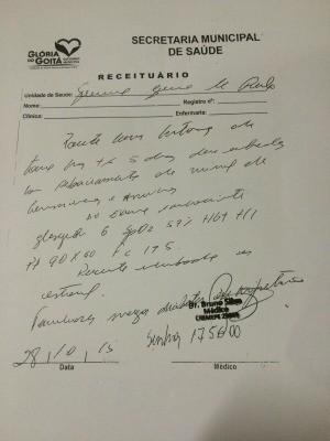 Receita assinada por falso médico em nome de Bruno Tenório, em 28 de outubro (Foto: Thays Estarque/G1)