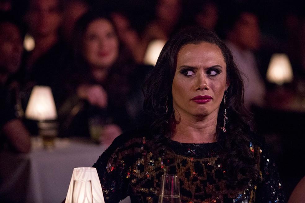 No capítulo anterior: no show de Jane di Castro,  Biga conhece a verdadeira identidade de Nonato, Elis Miranda!  (Foto: Fábio Rocha / Gshow)