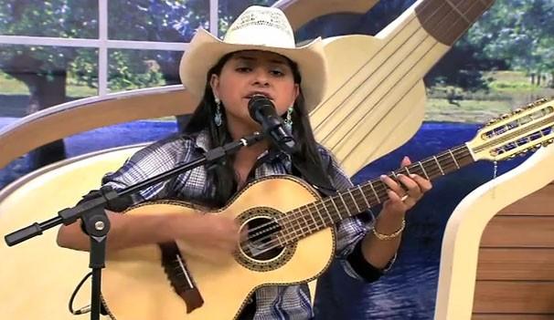 Pâmela da Viola fez a festa no É Bem Mato Grosso de sábado (02) (Foto: TVCA)