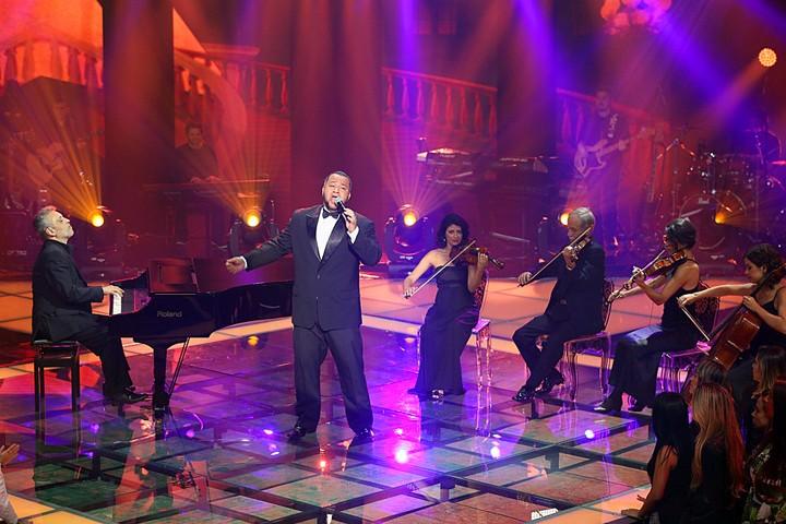 Jonnata Lima cantou sucesso de Djavan em sua apresentação (Foto: Isabella Pinheiro/Gshow)