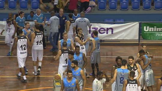 Vitória resgata confiança do XV por classificação no Paulista de basquete