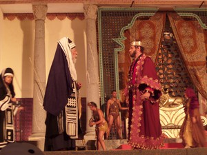 Ator Oscar Magrini interpreta Herodes no espetáculo (Foto: Jaqueline Almeida/ G1)