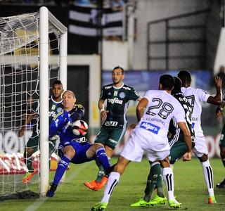 Trave Bruno Henrique Santos x Palmeiras (Foto: Marcos Ribolli)