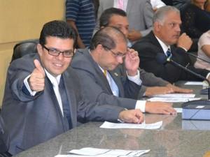 Novo prefeito de Campo Grande, Gilmar Olarte, pediu um pacto de amor pela cidade em sua posse (Foto: Hélder Rafael/G1 MS)