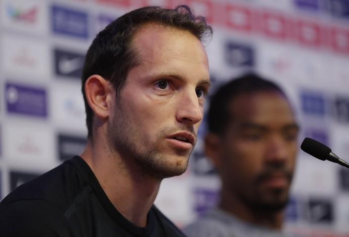 Renaud Lavillenie acredita que doping seja uma questão ainda maior (Foto: Reuters)