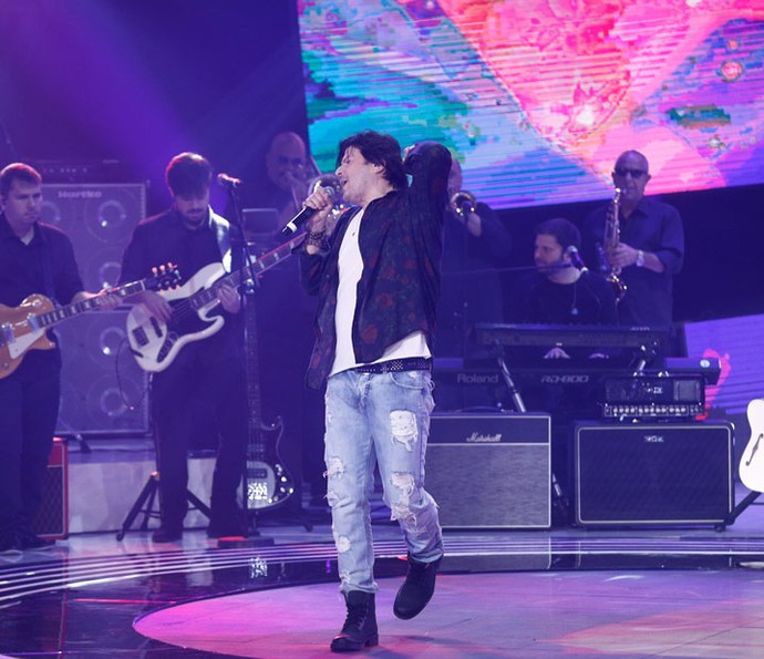 Paulo Ricardo cantando no primeiro dia da terceira temporada do SuperStar (Foto: Inácio Moraes/Gshow)