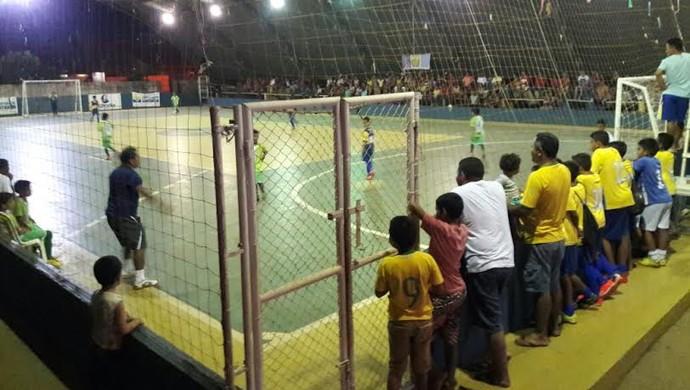 Quatro partidas serão realizadas nesta terça na quadra do Ginásio da Cidadania (Foto: Semjel/Divulgação)