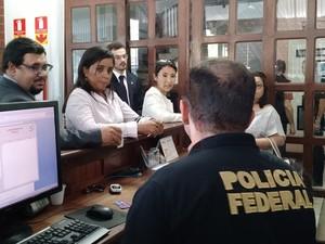 Movimentação na delegacia da Polícia Federal em Santarém (Foto: Andressa Azevedo/G1)
