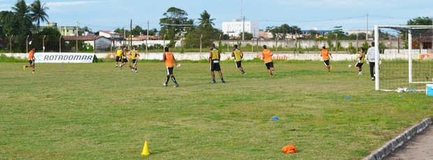 treino do botafogo-pb (Foto: Lucas Barros / Globoesporte.com/pb)