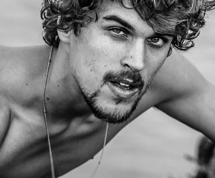 Felipe Roque já fez sucesso com carreira de modelo internacional (Foto: Gui Scarpari/ agentejunto)