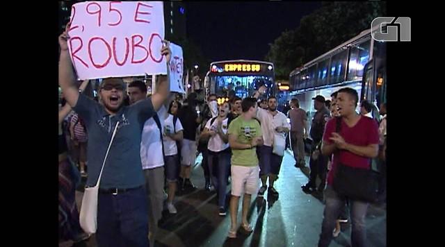 Protestos contra aumento das passagens e corrupção de Sérgio Cabral fazem cinco anos
