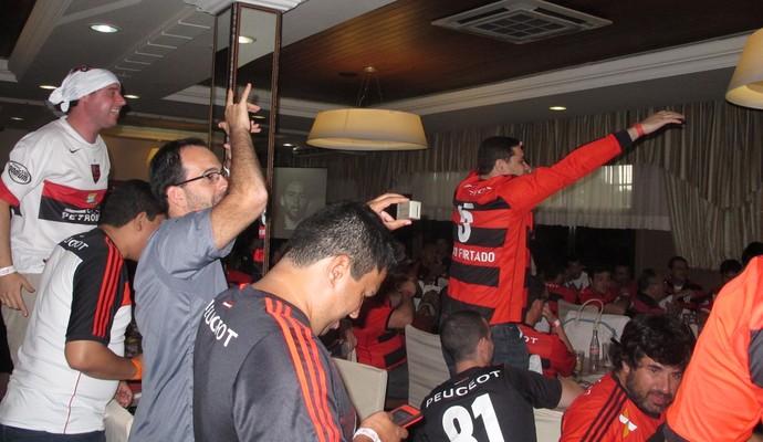 Torcida Flamengo Curitiba (Foto: Fred Huber)