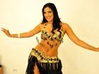 Vice Gata do Brasil dá aula de dança do ventre e planeja retirar costela