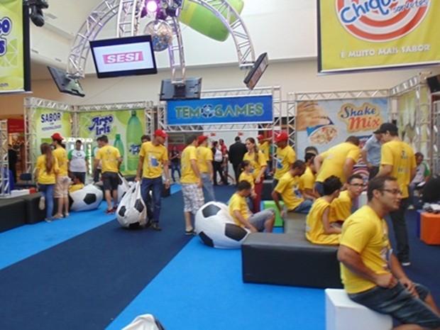 Jogadores já chegaram à arena montada no Riopreto Shopping (Foto: Lays Carvalho/G1)