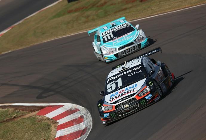 Átila Abreu sustenta liderança com apenas 0,5 ponto de vantagem sobre Rubens Barrichello (Foto: Rafael Gagliano-Hyset)