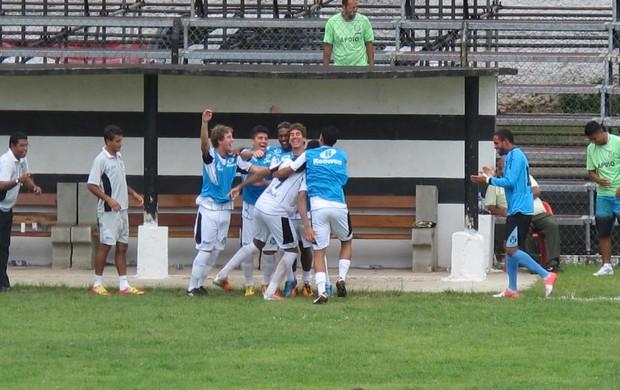 São Vicente Sertãozinho Leandrão comemora (Foto: Bruno Gutierrez)
