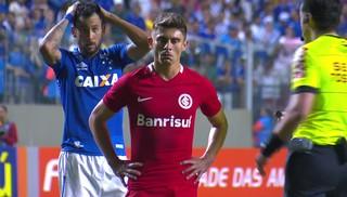 Alex, Cruzeiro x Inter, Brasileirão (Foto: Reprodução / Premiere)