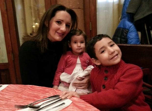 Marina e os filhos, Olívia e David (Foto: Arquivo pessoal/ Marina de Menezes)