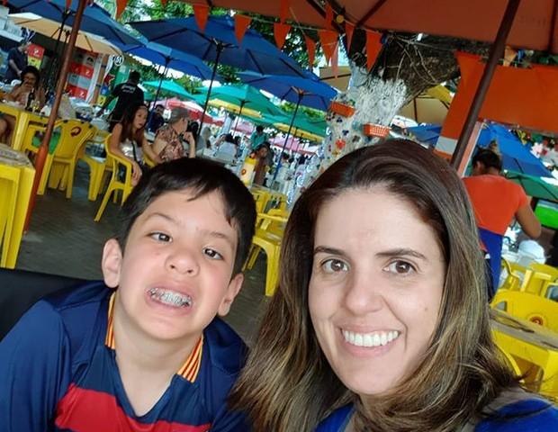 Lucas, sempre sorridente, era filho único de Alessandra (Foto: Reprodução Facebook)