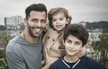 Henri Castelli conta que, antes dos filhos, Dia dos Pais era 'um terror'