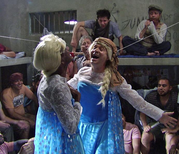Luís Miranda e Nelson Freitas se vestem de princesa no 'Zorra' (Foto: TV Globo)