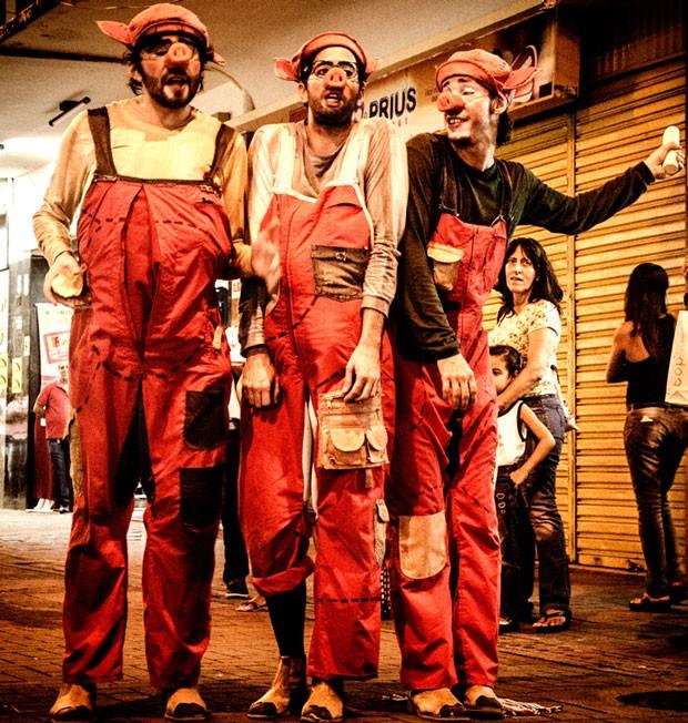 Os Tr3s Porcos, do grupo Próxima Companhia (Foto: Chico Ludermir)