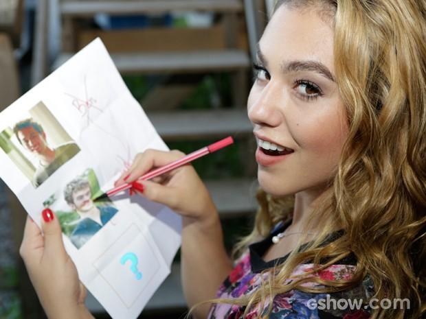 Chrysti brinca com a possibilidade de um novo amor para Meg (Foto: Fábio Rocha / TV Globo)