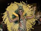 Cozete Gomes celebra quatro anos de Tijuca com fantasia de R$ 50 mil