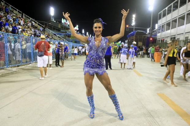 Gracyanne Barbosa em ensaio da Portela na Marquês de Sapucaí, no Centro do Rio (Foto: Isac Luz/ EGO)