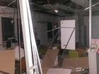 Explosão de caixas eletrônicos deixa agência bancária destruída