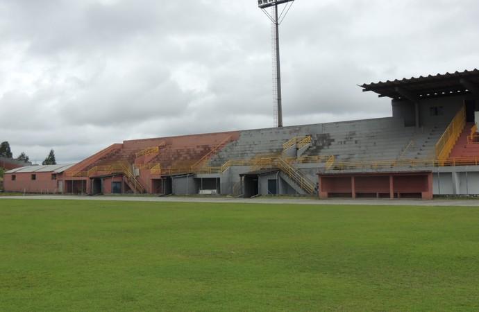 Estádio Suzanão (Foto: Thiago Fidelix)