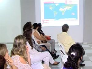 Palestra sobre o combate ao câncer foi realizada em Divinópolis (Foto: Reprodução/TV Integração)