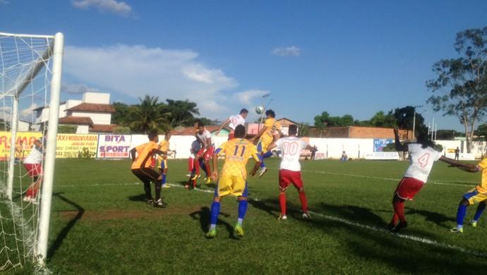 Interporto cobra falta na área do Colinas (Foto: Vilma Nascimento/GloboEsporte.com)