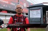Apaixonado pelo CAP, Daniel Barbosa tem uma banca de jornais em frente à Arena