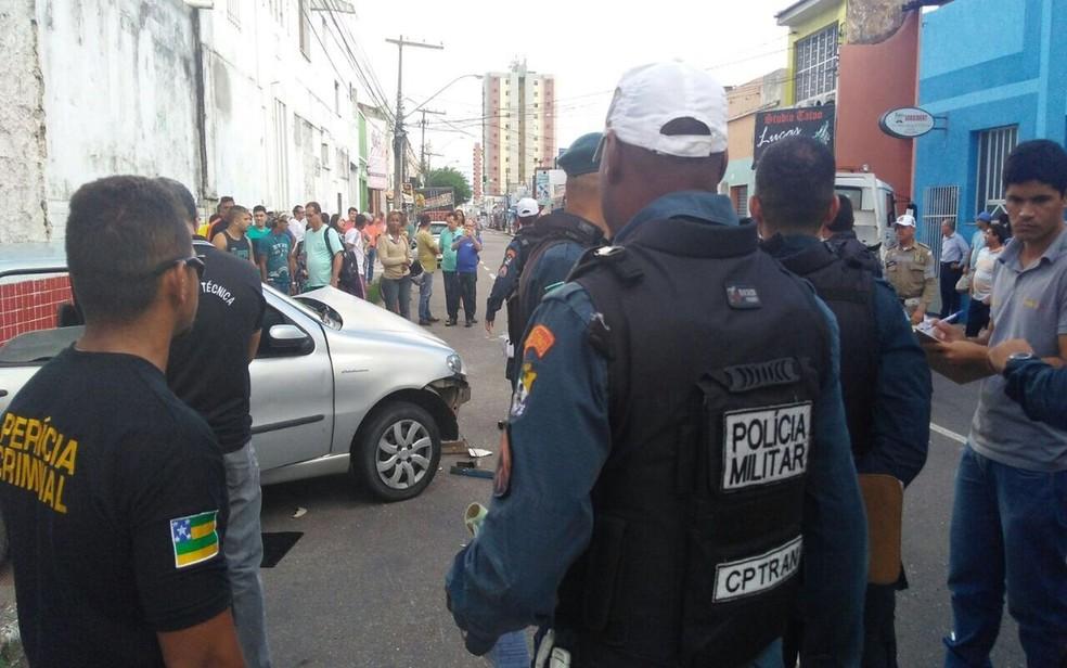 Acidente ocorreu no início da tarde no Centro de Aracaju (SE) (Foto: Ana Fontes/TV Sergipe)