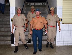Equipe do Corpo de Bombeiros no Estádio Nogueirão, em Mossoró (Foto: Alcivan Costa/Gazeta do Oeste)