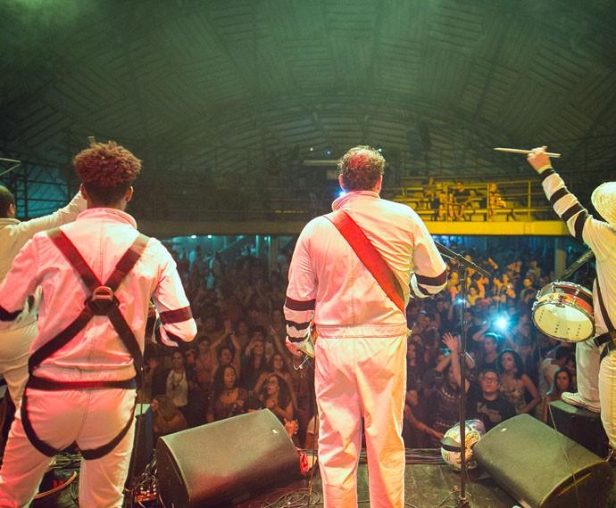 A banda paulista diz que quer provocar reflexão nos fãs   (Foto: Divulgação / Roberto Vianna)