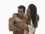 Lucilene Caetano e Felipe Sertanejo posam com o filho recém-nascido
