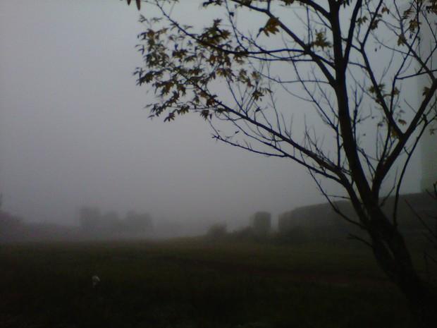 Dia começou encoberto e com neblina em Cruz Alta (Foto: Anelise Nicolodi/RBS TV)